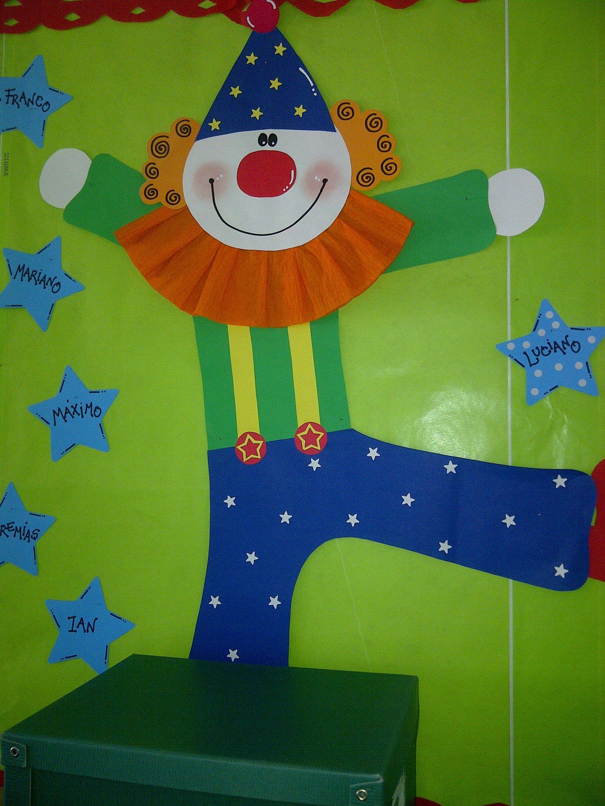 Payaso para cartelera be creative pinterest circo for Puertas decoradas con payasos
