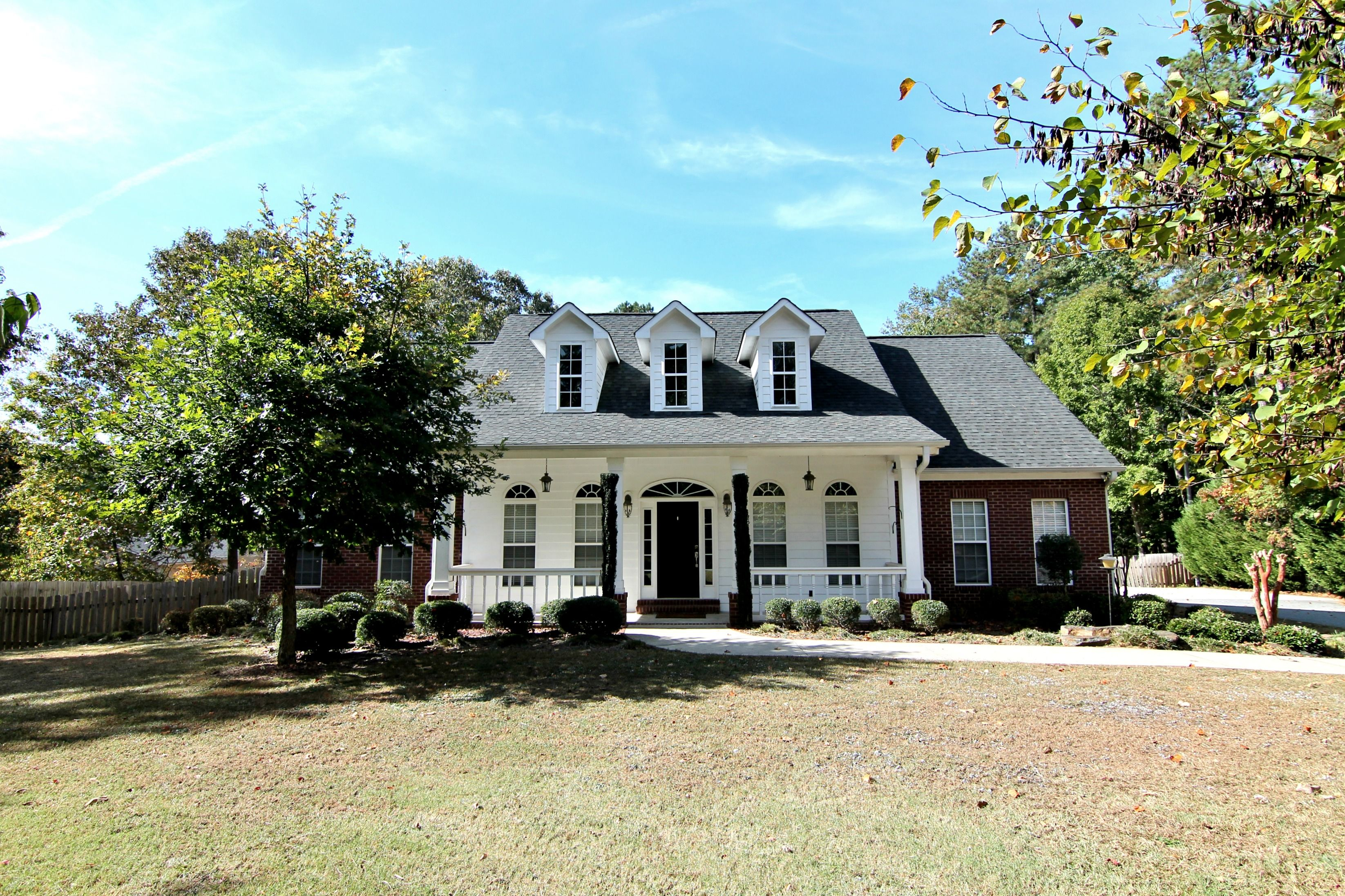 870 Hickory Nut Lane Lawrenceville Ga 30043 Home For Rent Renting A House House For Lease Cape Cod Style House