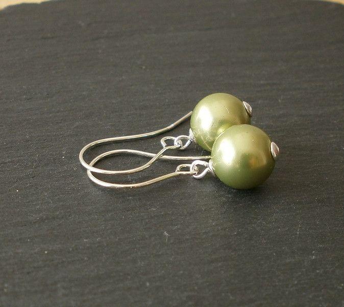 Ohrringe grün- °Muschelkernperlen Silber pur° von Mirakel auf DaWanda.com
