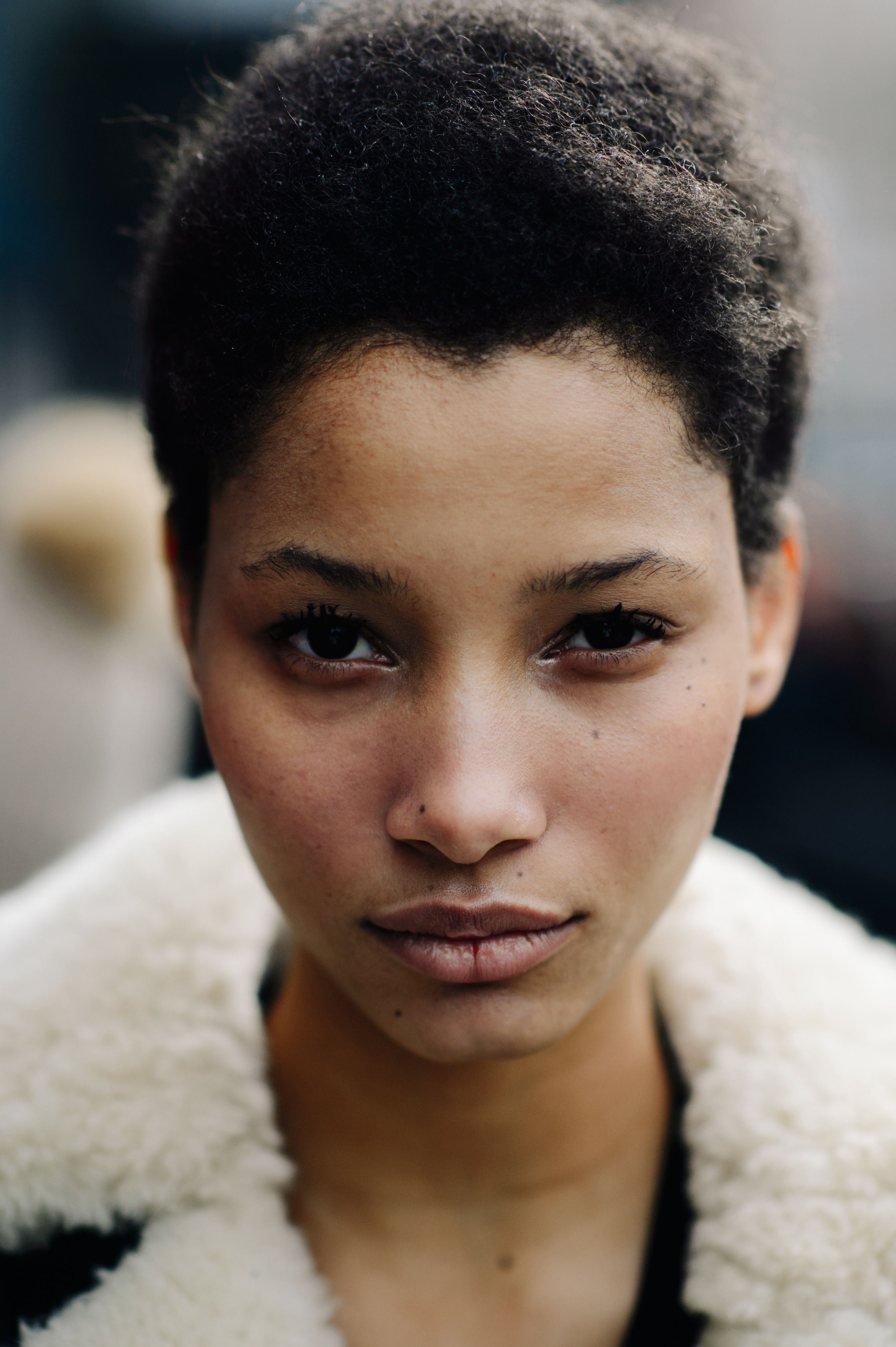 Le 21eme Lineisy Montero Feliz New York City Girl With Brown Hair Light Brown Hair Light Brown Skin