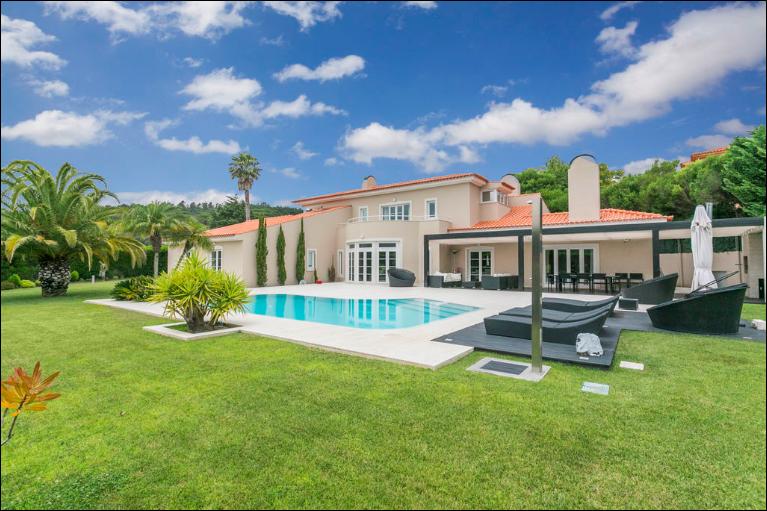 5 bedroom luxury House for rent in Condomínio da Penha