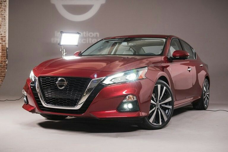 2019 Nissan Altima First Look The Altimate Accord Challenger Returns Nissan Altima Altima Nissan Maxima