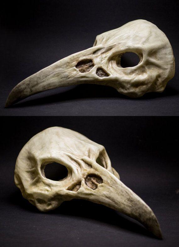 Raven skull mask, realizzata in resina e colorata a mano, misura unica. Scegli…
