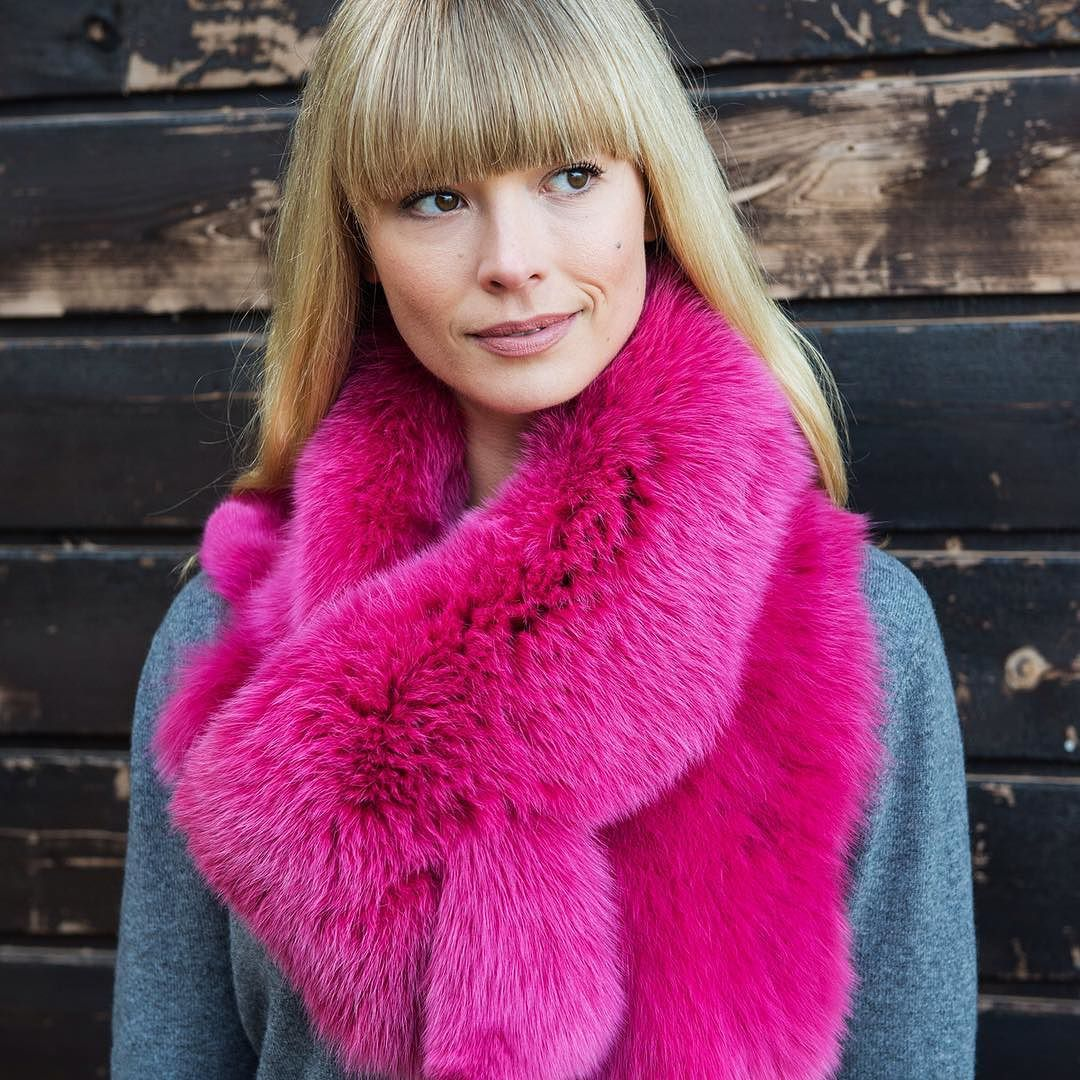 #hotpink #fox #fur #cowl #collar @ooak_toronto Booth P48 $199 Thanks @moshalundstrom & @dawnmercerphotography by lundstromlinda