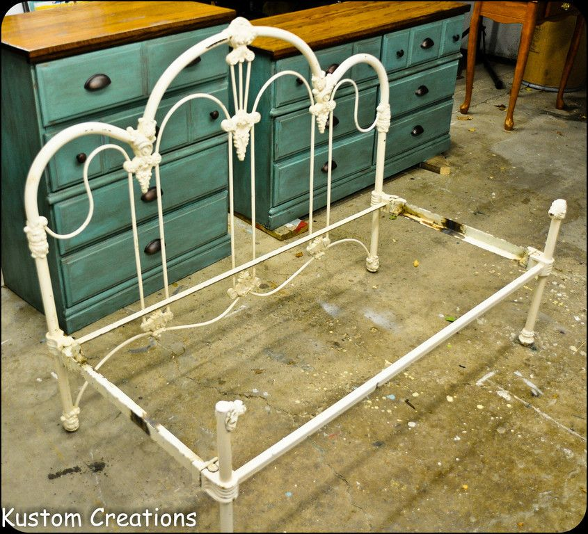 Wrought Iron Headboard and footboard with shortened bed frame - jardines con bancas