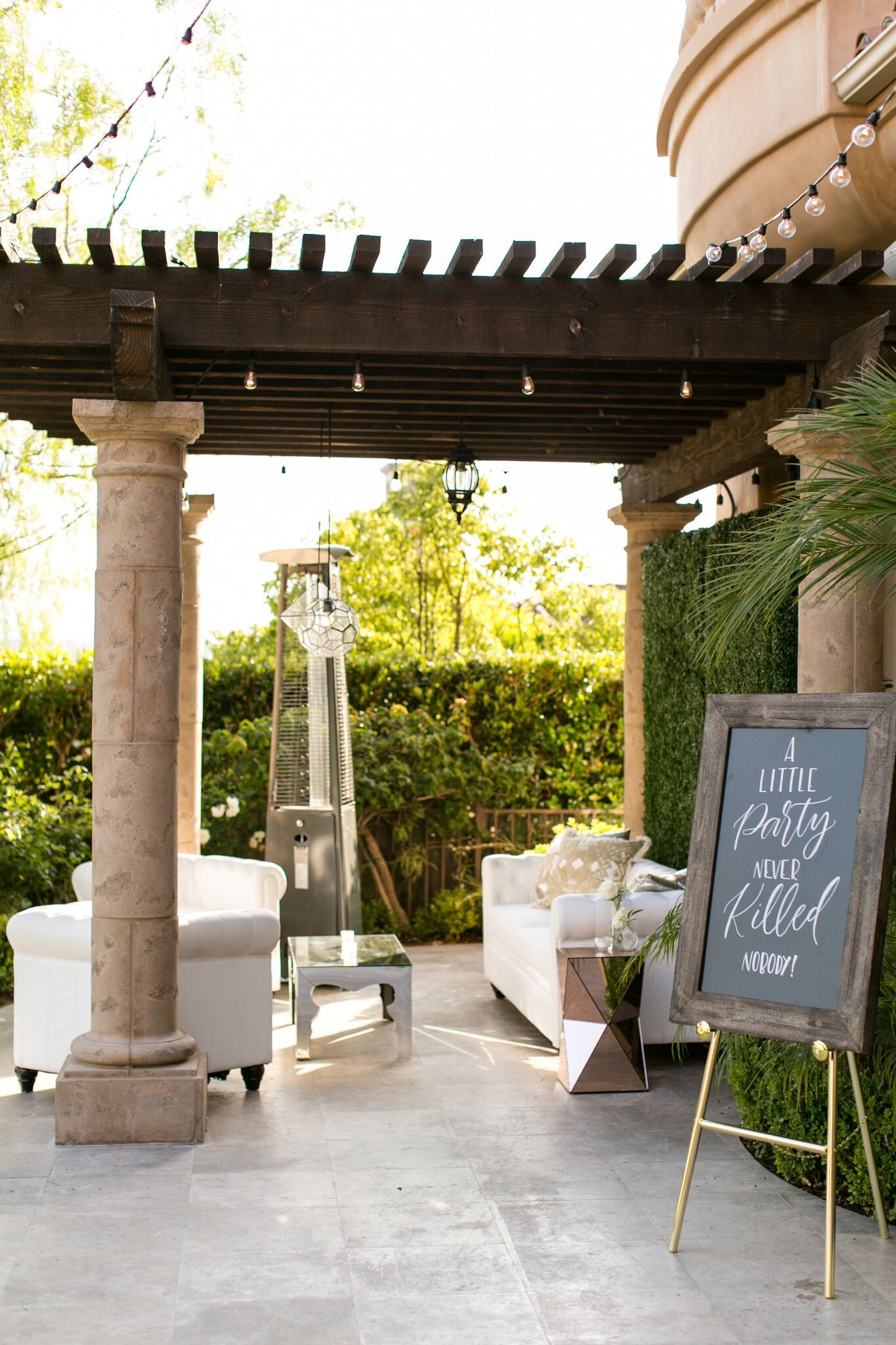 Outdoor Seating. Backyard Party. White and Gold