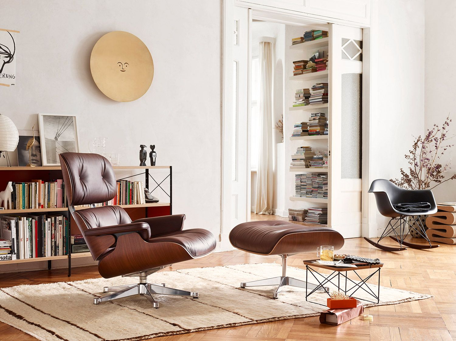 Vitra lounge chair amp ottoman white version von charles amp ray eames -  Eames Lounge Chair Winter Edition Santos Palisander Shell With Brandy Leather