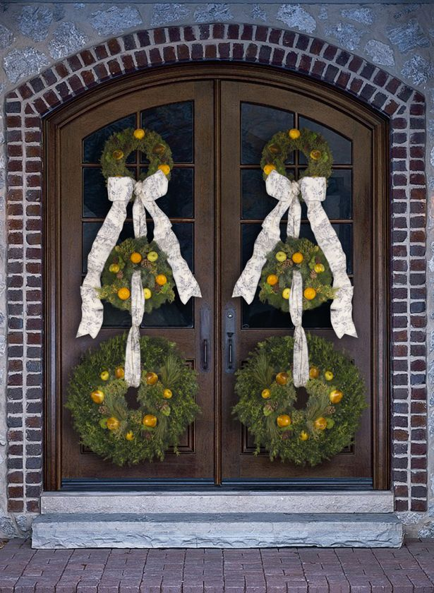 Doors Design: Create A Grand Holiday Entrance With Door Decorations