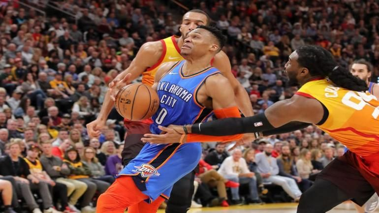 Russell Westbrook threatens a heckling Jazz fan and his