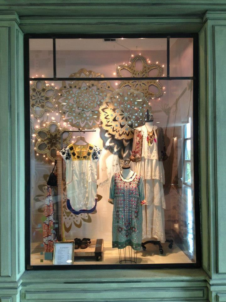 Vidrieras de navidad estilo femenino vidrieras de for Accesorios para decorar en navidad