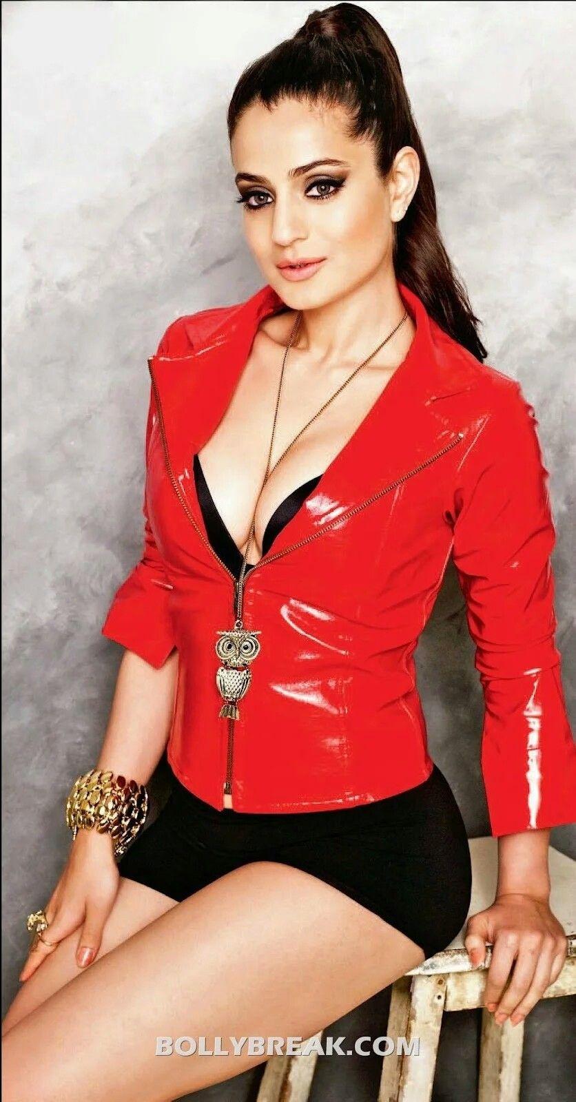 Amisha Patel Hot Boobs Pics 33 best amisha images | bollywood actress, bollywood, indian
