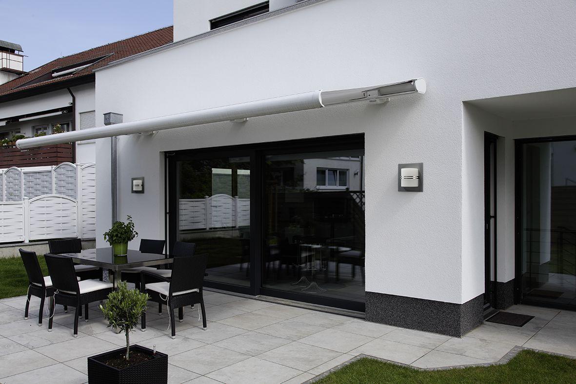 Die Moderne Wandleuchte Fur Die Neu Gestaltete Hauswand In 2020 Leuchten Wandleuchte Albert Leuchten