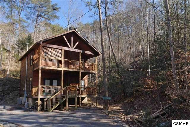 2773 Mountain View Circle Sevierville Tn 37862 149 000 Listing 199404 See Homes Fo Tennessee Vacation Pigeon Forge Tennessee Vacation Log Cabin Rentals