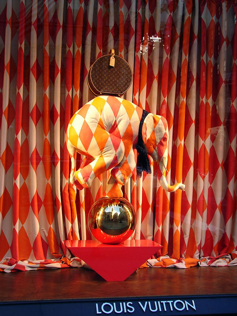 Louis Vuitton Circus Window Displays Store Window Displays