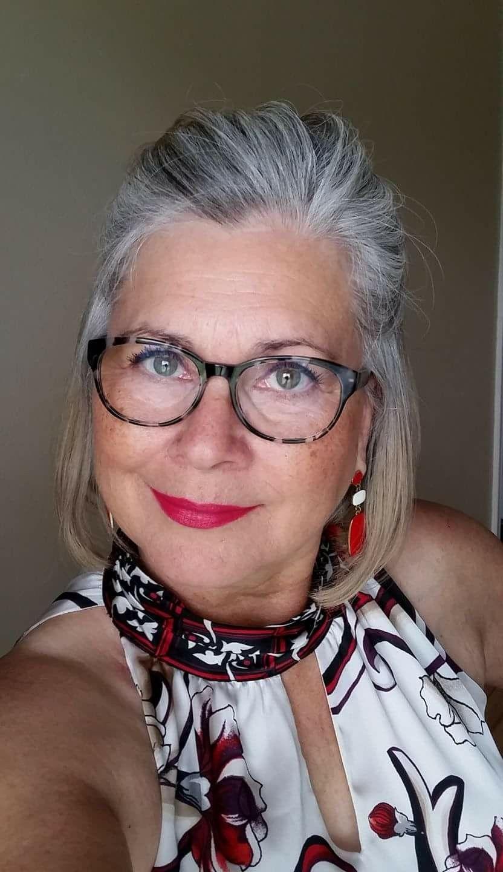 Glasses   Grey hair and glasses, Beautiful gray hair ...
