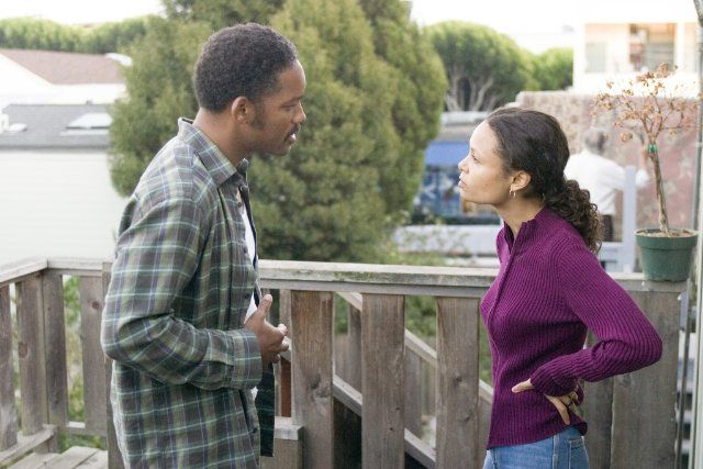Will Smith Thandie Newton The Pursuit Of Happyness The Pursuit Of Happyness Black Hollywood Thandie Newton