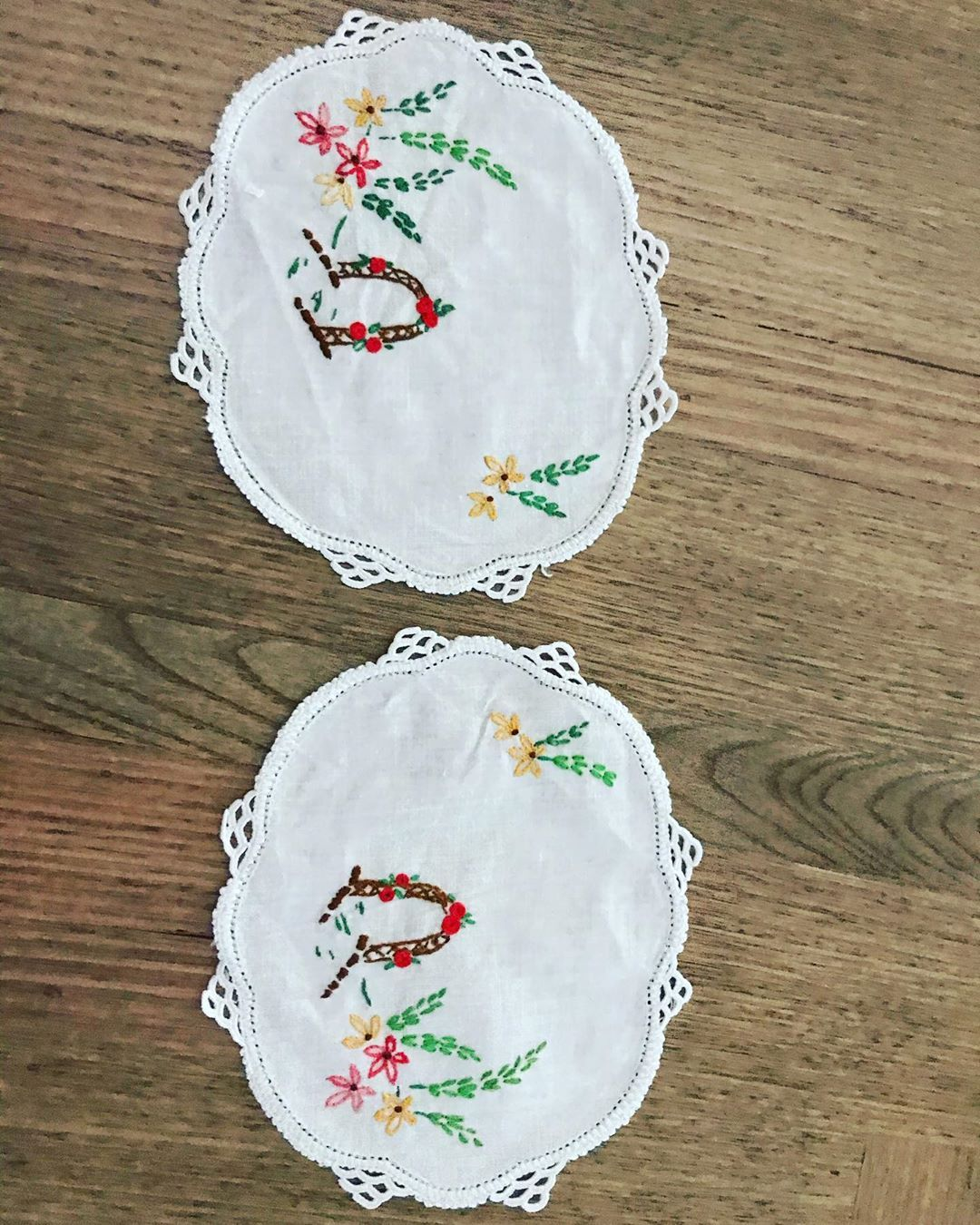 Embroidered Pair Hand embroidered with hand crocheted edging  Excellent condition $7 pair  #cloth #sew #sewin #crochet #linen #vintage #vintagefinds  #retro #vintagelinen #repurposed #doiley #doilies #handmade #vintage #vintagefabric #fabric #vintagestyle #vintagelover #vintageperth #embroidery #embroideryart