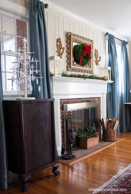 Vintage Inspired Christmas Decor This Home Is Decorated For Using And Antique Items