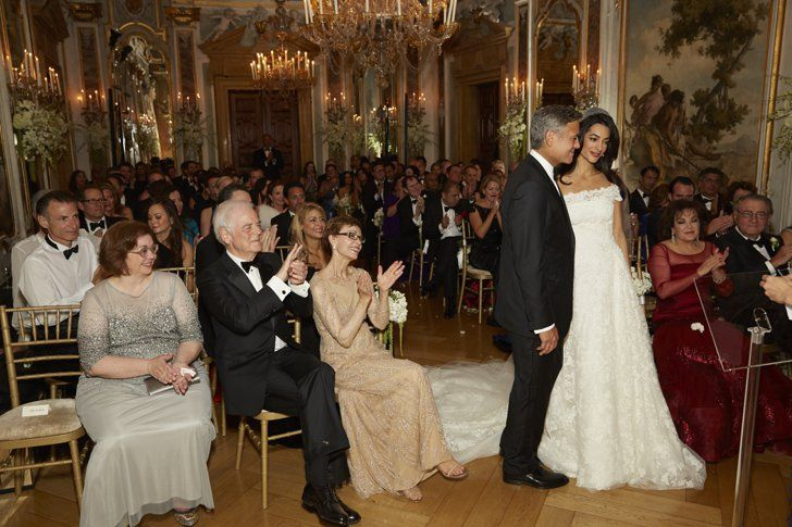 Look Back At Amal And George Clooney S Gorgeous Wedding Amal Clooney Hochzeit George Clooney Hochzeit Kleid Hochzeit