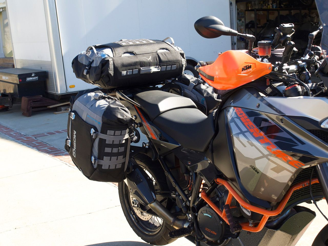 Ktm 1190 Adventure With Mosko Moto Panniers On Jesse Rack Ktm Adventure Adventure Bike Ktm