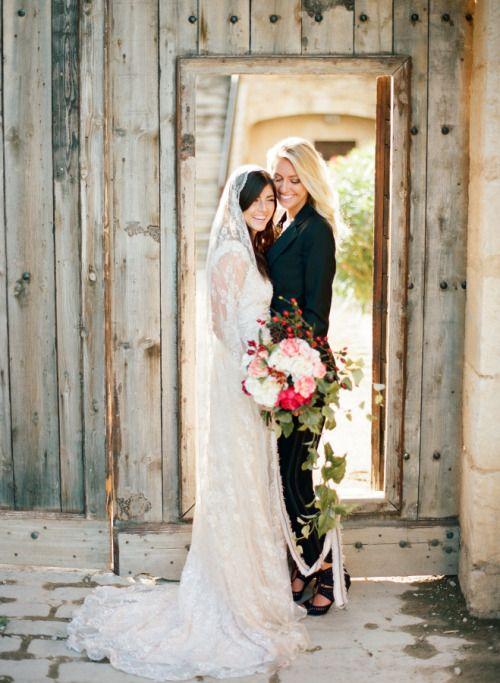 Pin By Gabi On Neue Hochzeitsideen Pinterest Lesbian Couples