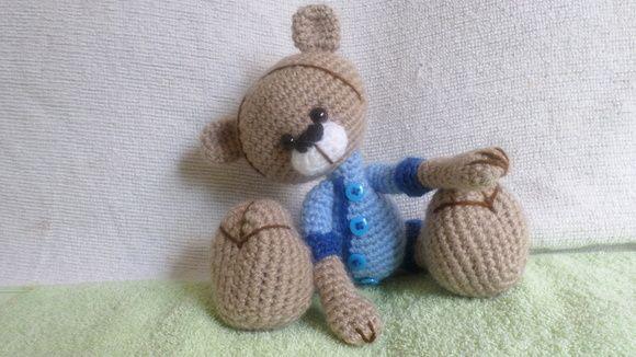 Ursinho de croche confeccionado pela técnica amigurumi R$ 30,00