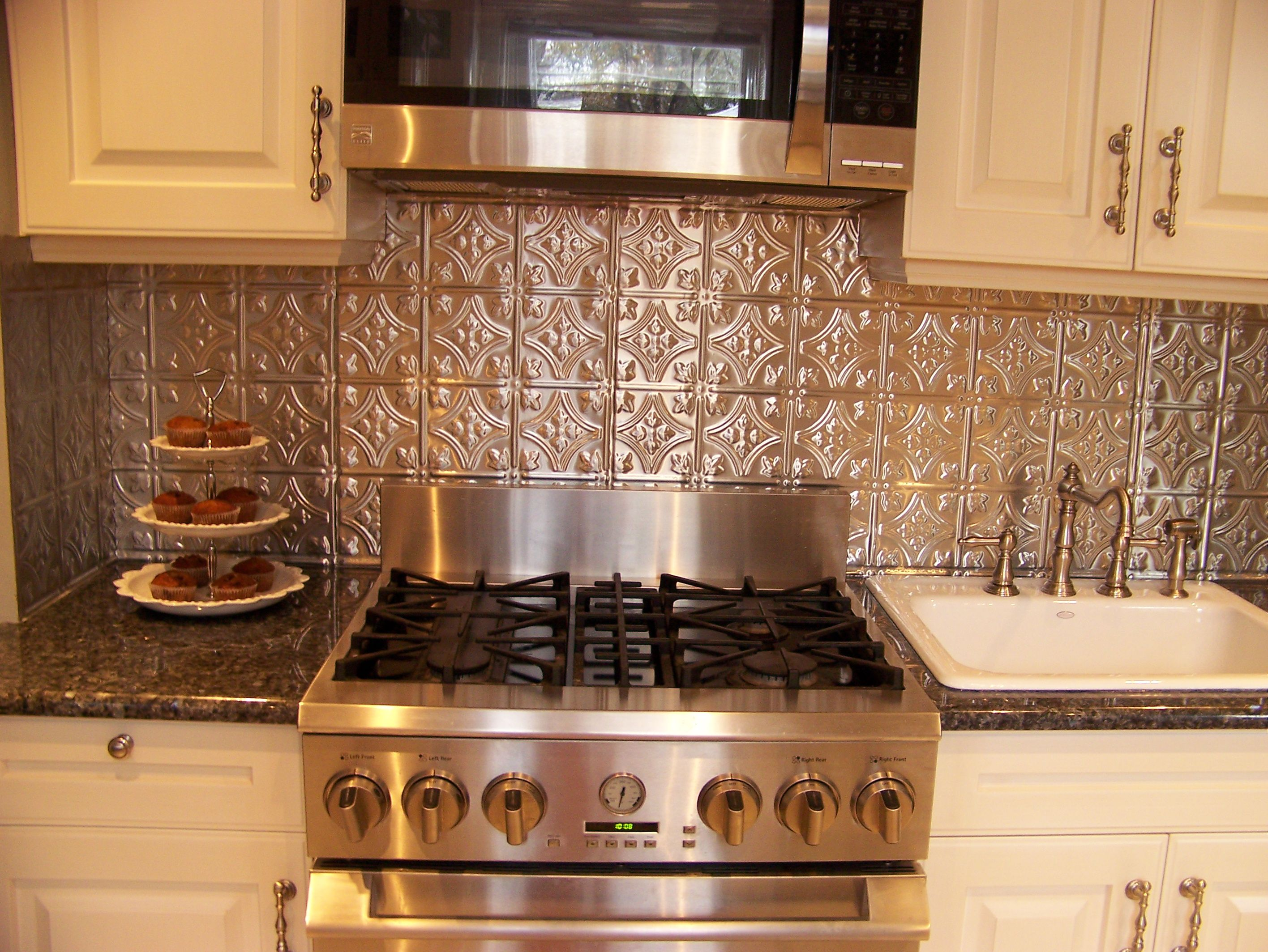 - Princess Victoria - Aluminum Backsplash Tile - #0604 Tin