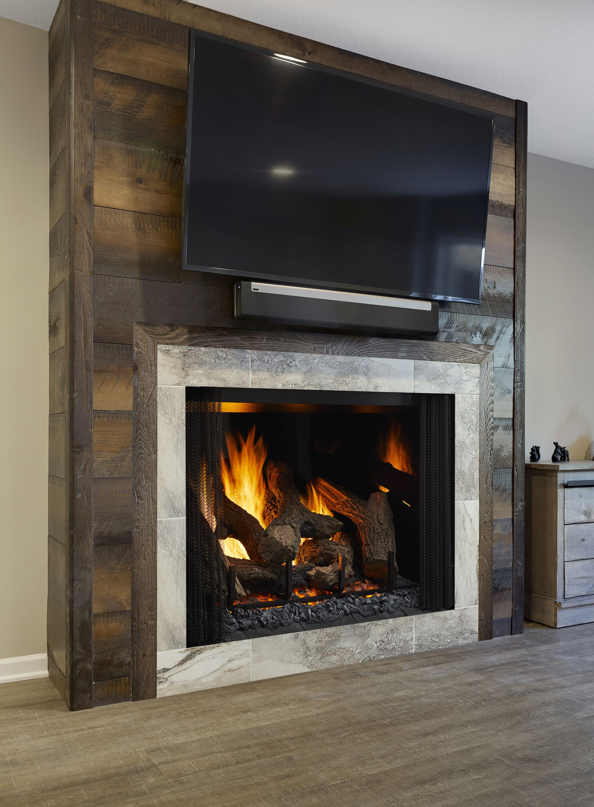 Make Heat Glo Model Phoenix Type Gas Fireplace With Images Family Room Design Relaxing Living Room Fireplace Design