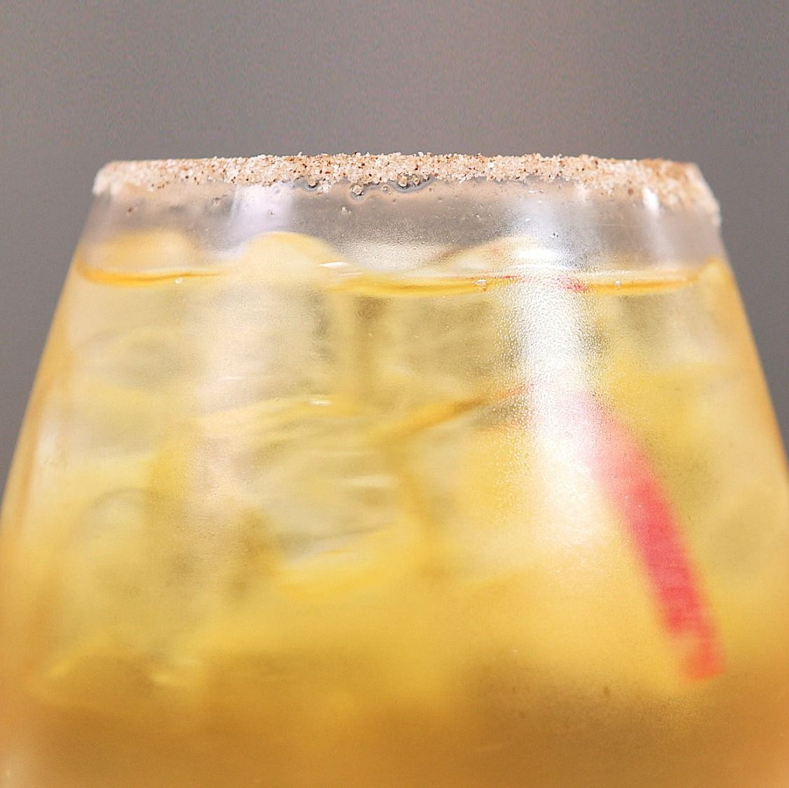 How To Make A Golden Apple Cocktail Mixed Drinks Alcohol Low