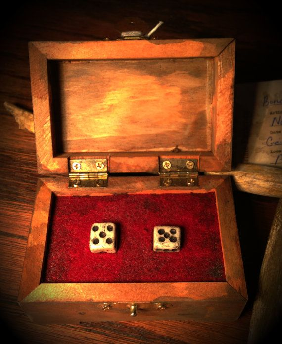 Dice Made Of Human Bone Found In The Home Of Ed Gein Creepy