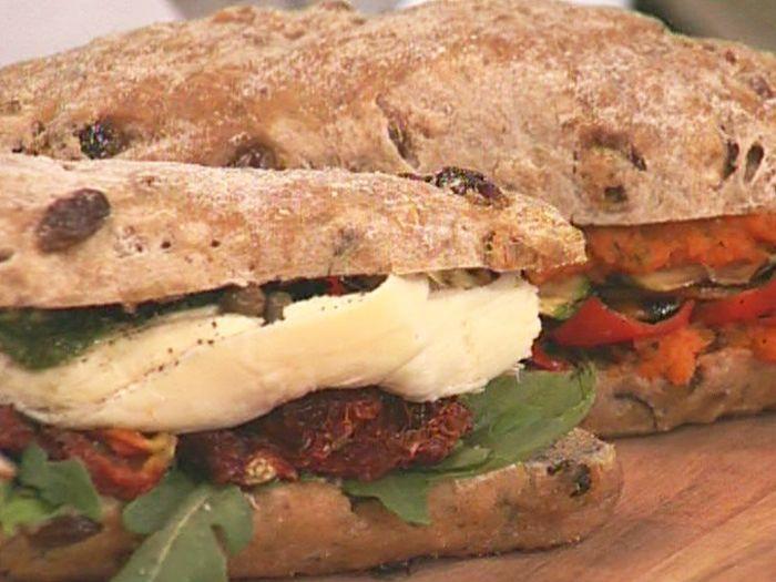 Aprende a preparar esta receta de Sándwiches saludables , por Juliana López May en elgourmet
