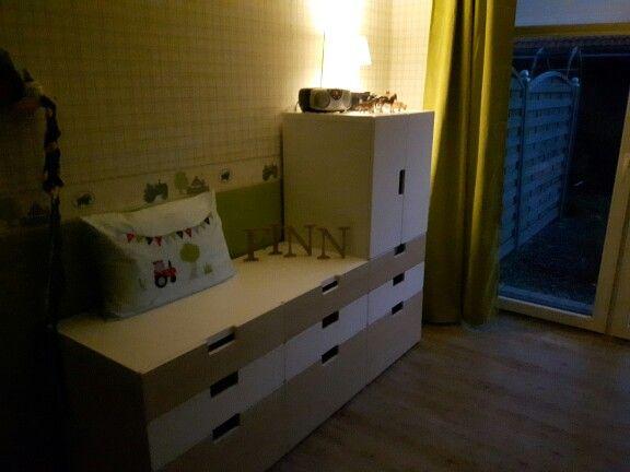 Kinderzimmer ikea stuva  Kinderzimmer Ikea Stuva Junge Bauernhof Esprit Tapete grün ...