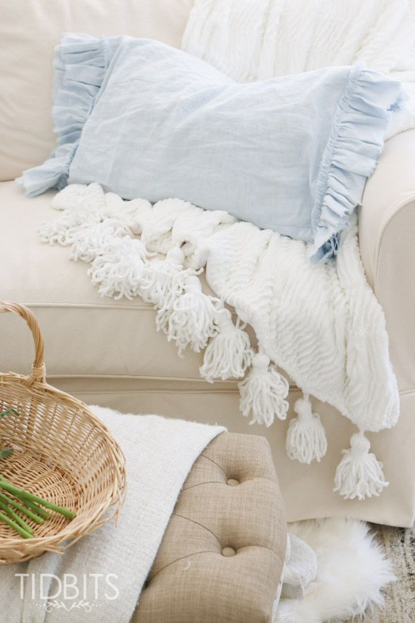 DIY Ruffled and Frayed Pillowcase Sewing projects, Ruffles and Pillows