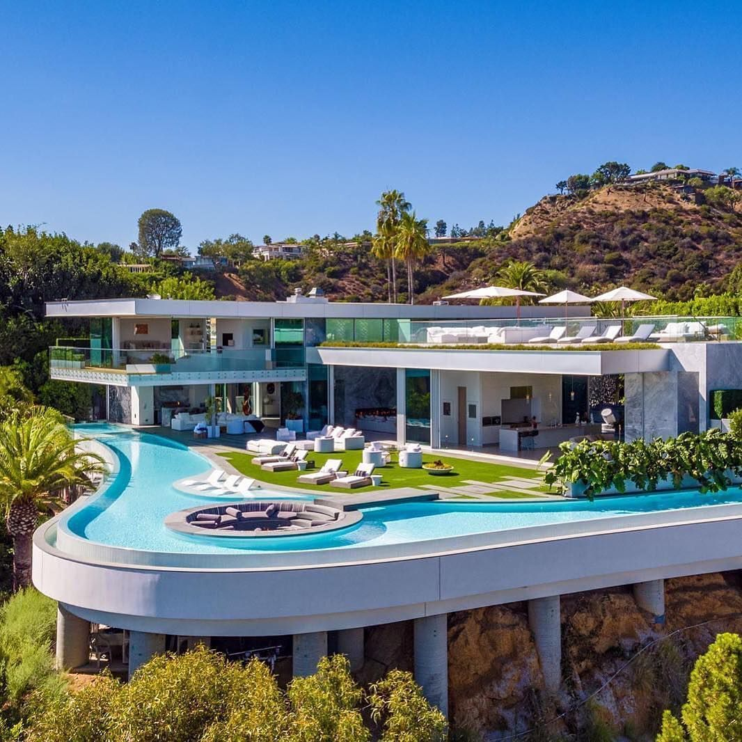 12 Outstanding Modern Mansions for Luxury Living | Luxury homes dream houses,  Luxury homes, Architecture house