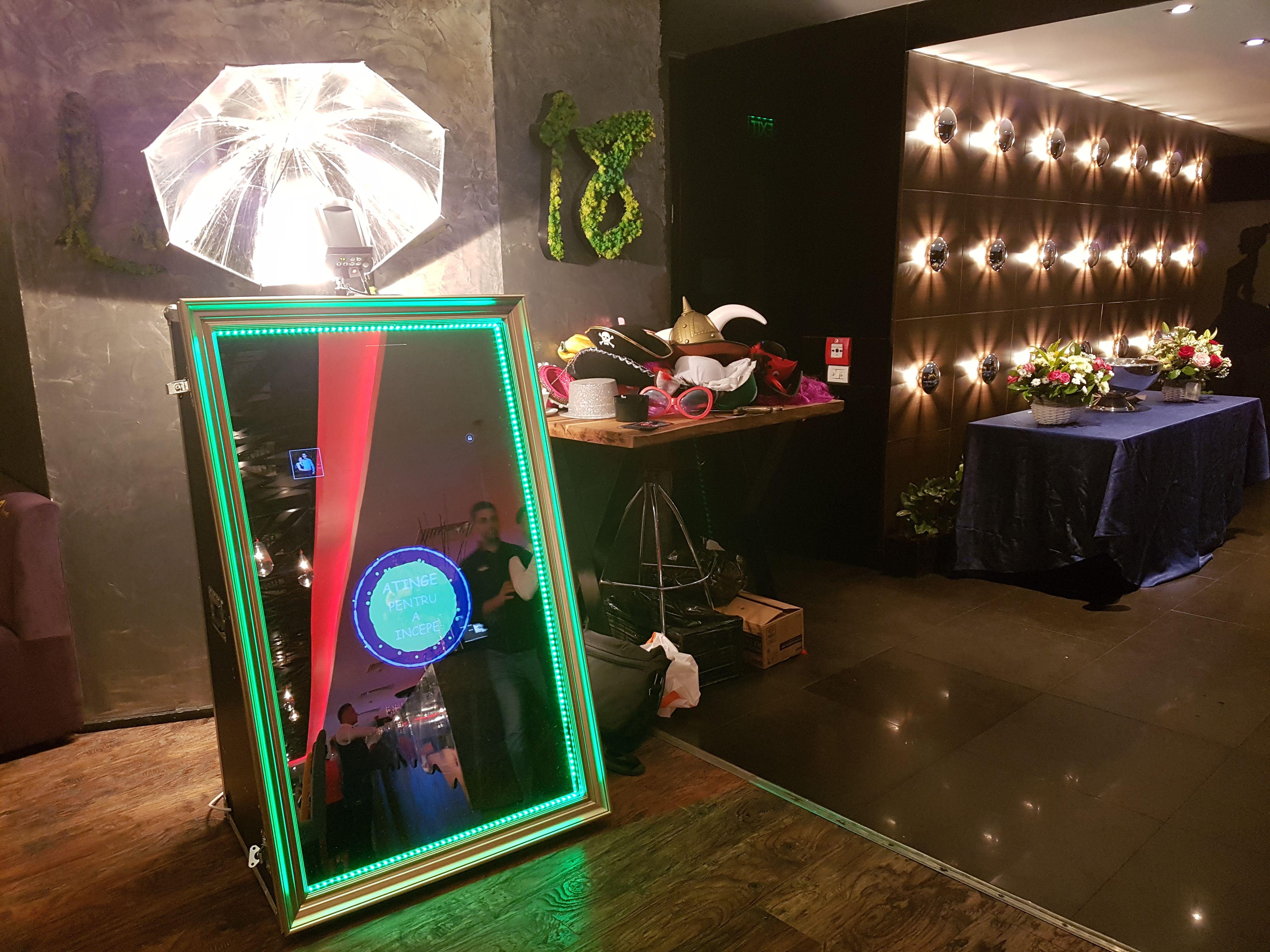 Foto Cabina Ideas : Cabina foto magic mirror oglinda magica de vanzare cabine