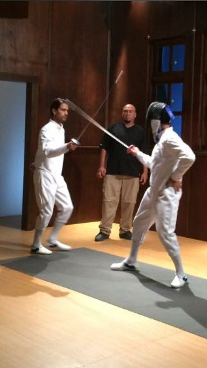 "Jen auf Twitter: ""Further sword skills for @lucapasqualino on the set of @solareclipsemov https://t.co/m6BFFaSNdn"""