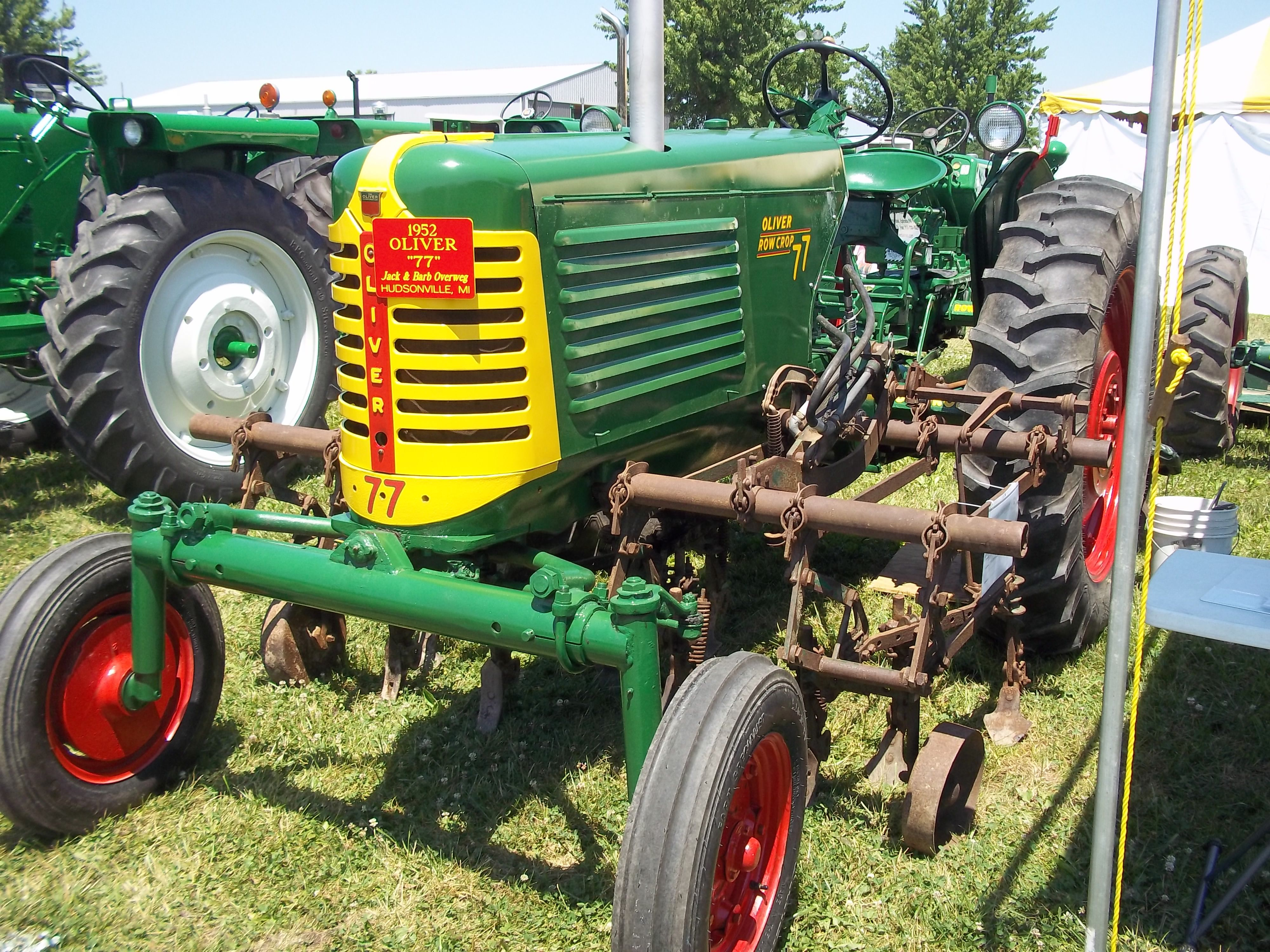 Oliver 77 with middle cultivators Vintage Tractors, Old Tractors, Heavy  Equipment, Primitives,