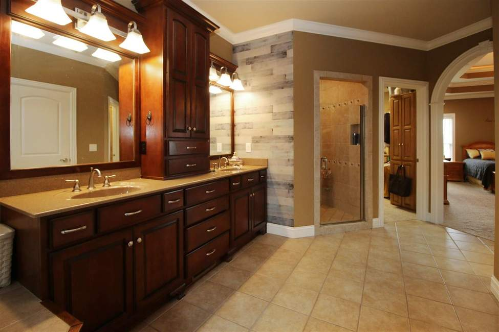 Bowling Green Homes For Sale In 2020 Custom Built Homes Kitchens Bathrooms Home