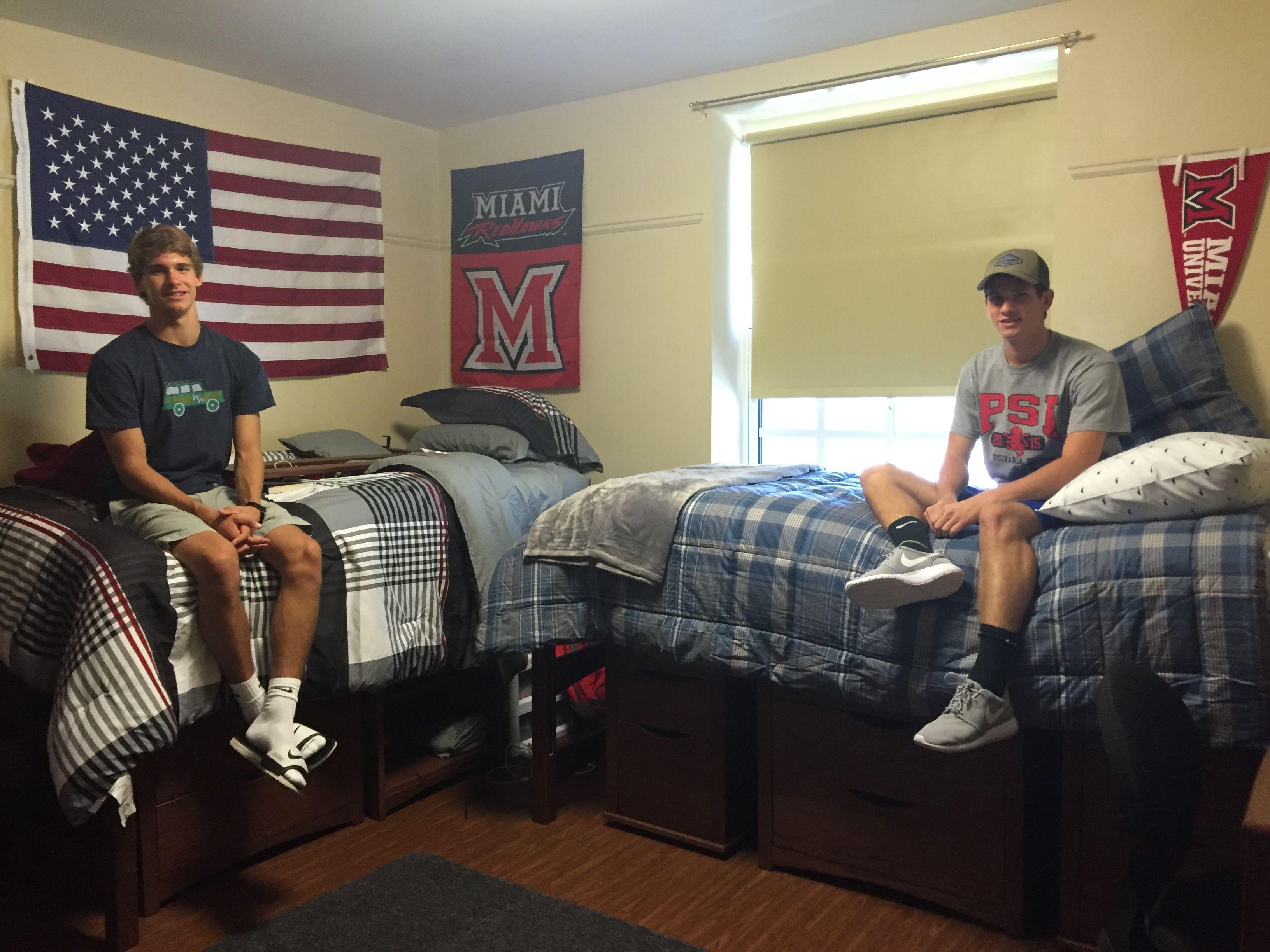 35167956_img_1886.jpg 3,264×2,448 pixels | Boys dorm room ...