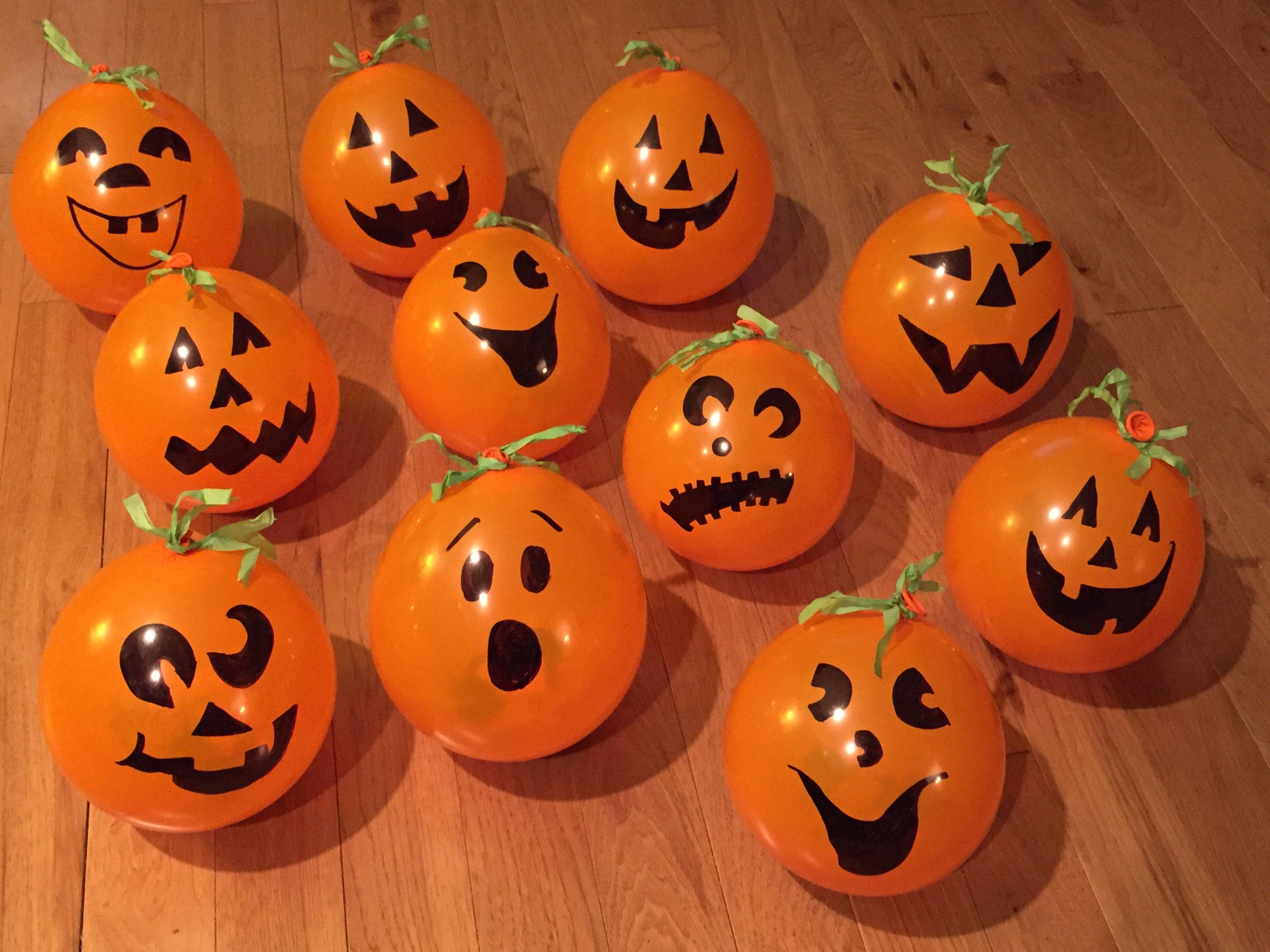 Pumpkin Patch Fall Or Halloween Party Favors Stretch Balloons And Add Treats Then Draw Faces Halloween Crafts Family Halloween Party Halloween Treat Bags