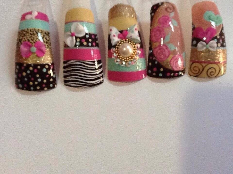 Latin nails