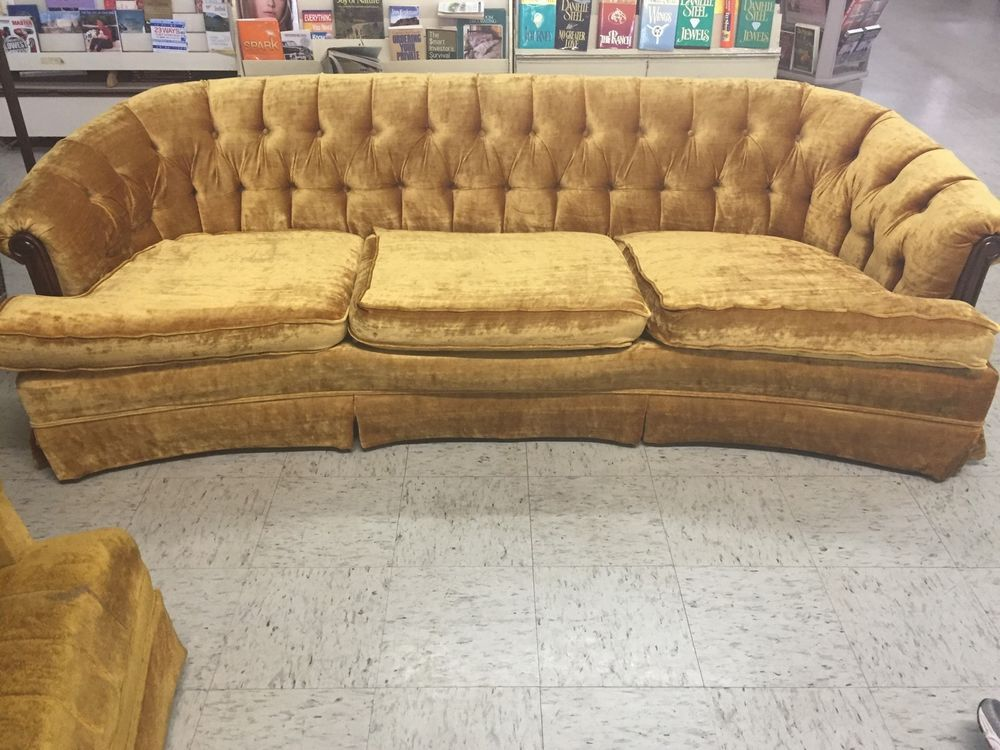 Bassett Vintage Chesterfield Gold Sofa Hollywood Regency