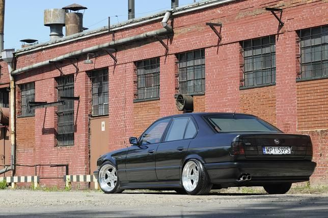 bmw e34 blacked out 5 series euro spec these boys don. Black Bedroom Furniture Sets. Home Design Ideas