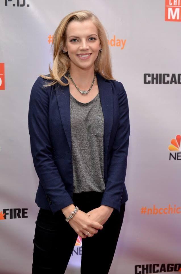 Chicago Fire- Sylvie Brett- Kara Killmer 🚑   Chicago fire