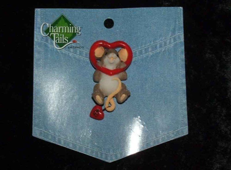 Charming Tails Leaf and Acorn Club 2010 Event Pin