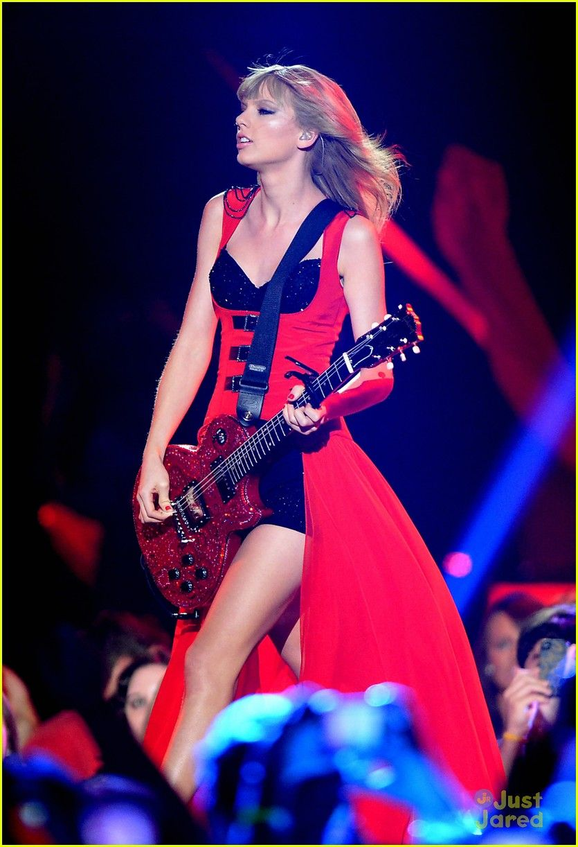 Taylor Swift Red Performance Cmt Music Awards 2013 Taylor Swift Style Taylor Swift Hot Taylor Swift Red