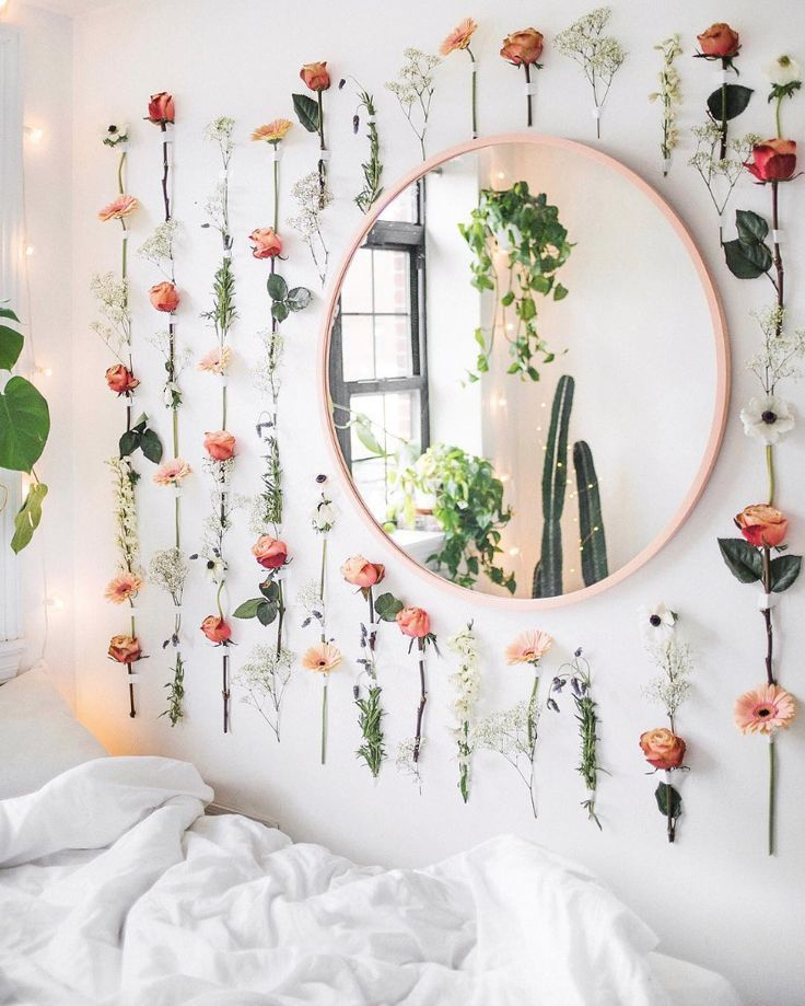 How To Decorate Dorm Room Walls - Temporary Covering Ideas