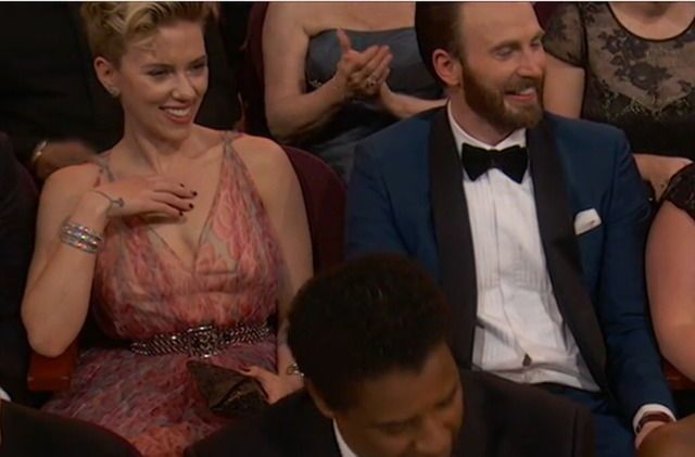 Scarlett Johansson And Chris Evans Attends The 89th Annual Academy Awards At Hollywood Chris Evans Captain America Chris Evans Chris Evans Scarlett Johansson