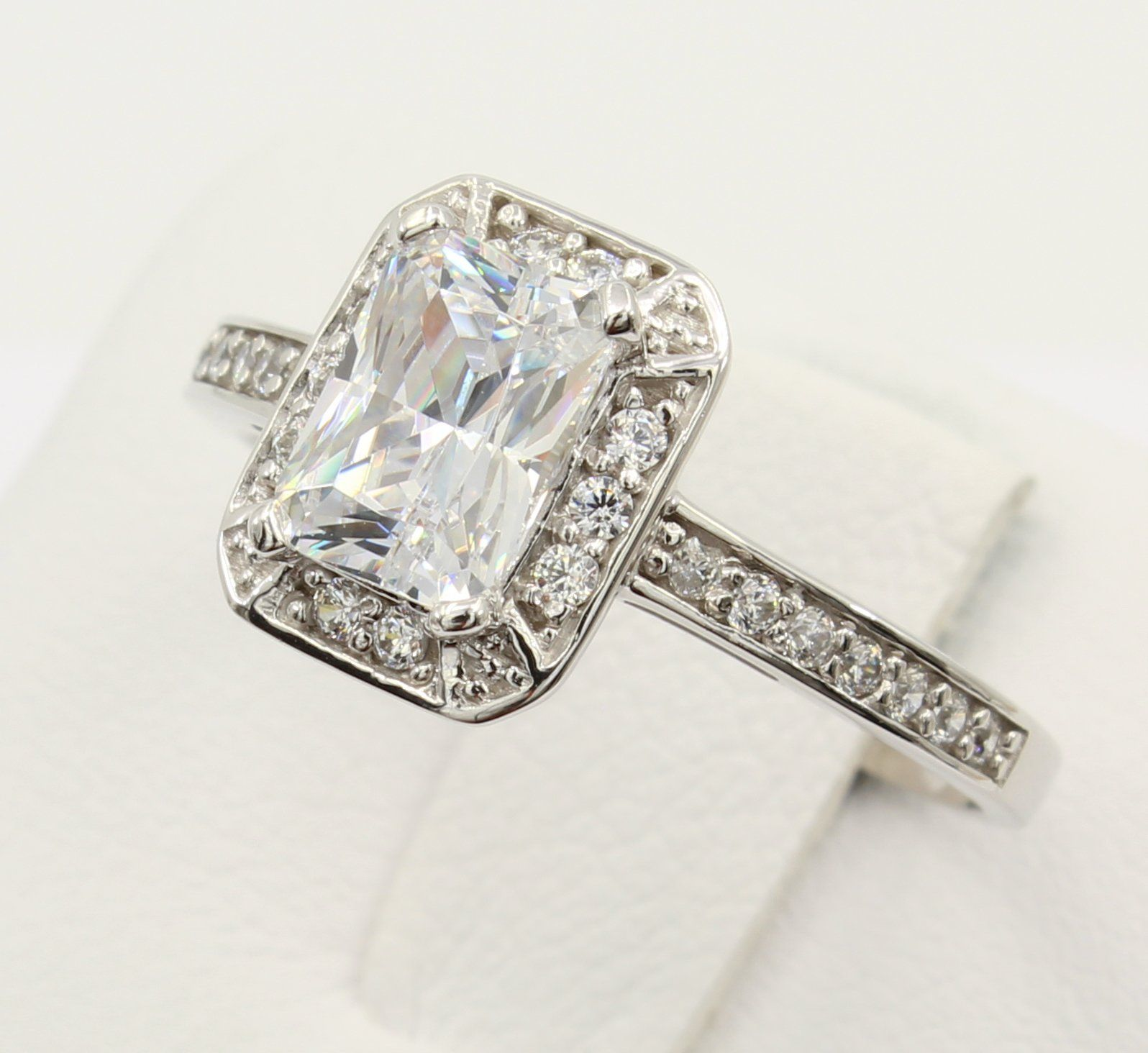 1.50 Ct Emerald Cut Solitaire Engagement Wedding Ring Solid Real 18K Yellow Gold