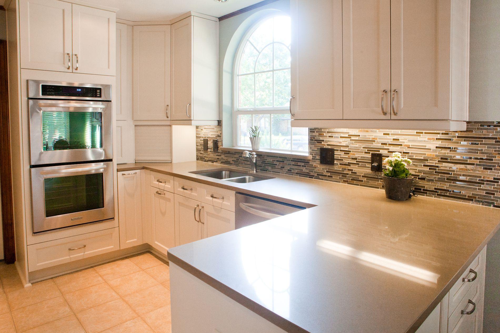 Kitchencraft cabinets, Lexington door in Seashell | Glazzio Sag ...